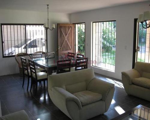 Funcional Casa A Metros De La Playa- Ref: 821