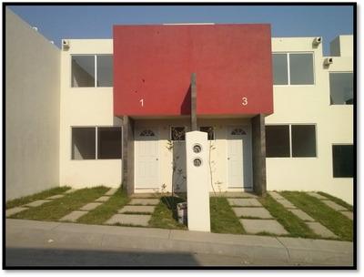 Traspaso / Venta De Casa Habitación En Lago Residencial