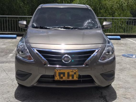 Nissan Versa Sense Automatico