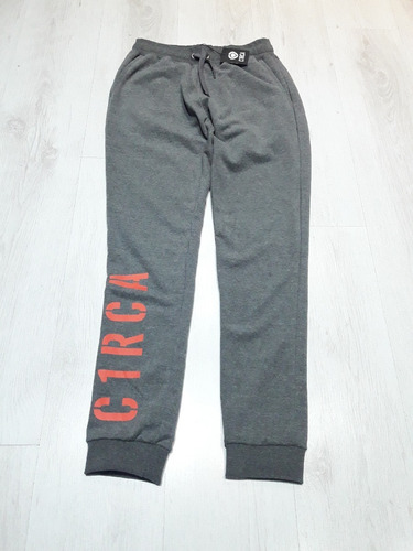 Pantalón Jogger Circa Private Gris Medio Birmania Garage