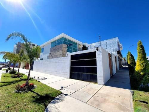 Oportunidad Moderna Casa Villa Magna Slp C/terren Exedente
