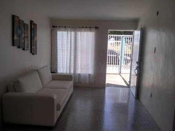 Casa En Venta La Puerta Cabudare 20-8696 Kcu