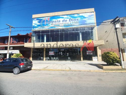 Amplio Local Comercial - 1060m2 Sobre Av. Del Libertador -