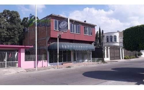 Renta Local Comercia 200 M²l Col. Cazones Poza Rica Veracruz. Ubicada En La Calle 14, El Local Consta De 2 Plantas, En Planta Baja Cuenta Con Cocina, Lava Manos, 2 Baños Y 2 Aires Acondicionados. En