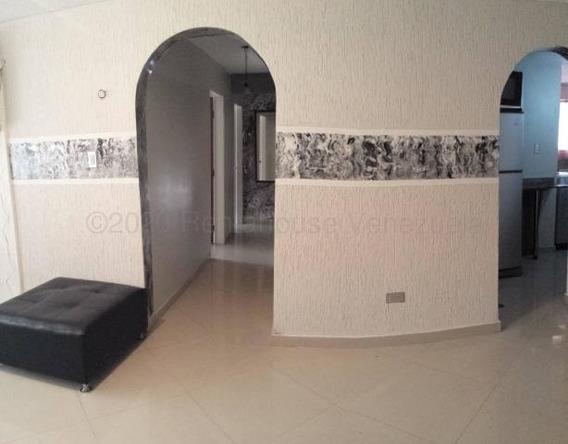 Lindo Apartamento En La Maracaya Mm 20-24078