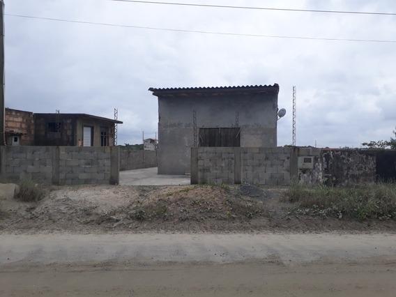 Casa 2 Quartos,cozinha E Banheiro Com Salão Comercial Em Fre