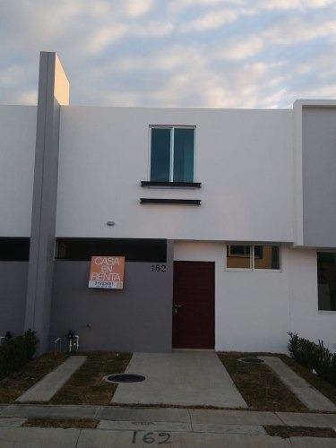 Casa En Renta En Tesistan, Zapopan,cerca Waltmart Calandria