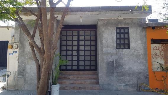 Casa En Venta Con Ampliacion Fracc. Treboles Apodaca Nl (30-cv-1303 Sil)
