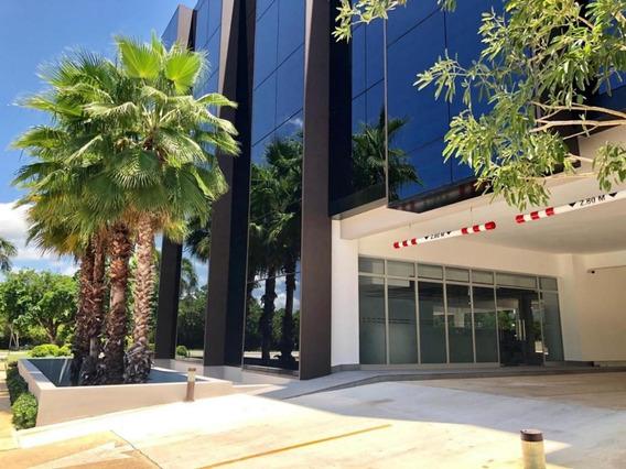Oficina En Venta En Moderno Centro Profesional En Punta Cana