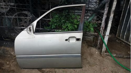 Vendo Puerta Delantero Izquierda De Mercedes Benz C220, 1990