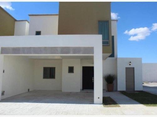 Casa En Venta En Fracc. Villa De Las Palmas (viñedos)