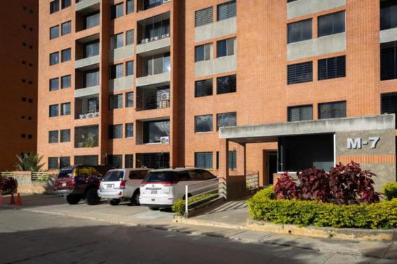 Apartamento En Venta Mls # 20-18269