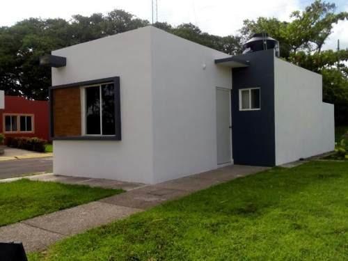 Casa Sola En Venta Fracc. Paseo De Las Palmas