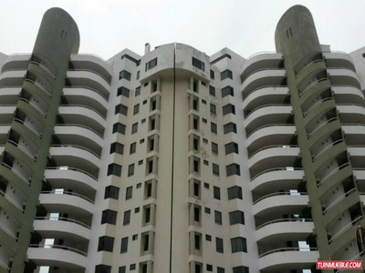 La Llanada,vendo Apartamento, Excelente Estado, 116m2.3h