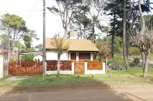 Casa 3 Ambientes Amplio Jardín Zonificación Multifamiliar