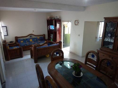 Casa En Venta En Manantiales De San Juan, San Juan Del Río, Querétaro