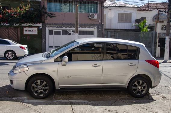 Nissan Tiida 1.8 S Flex 5p 2011