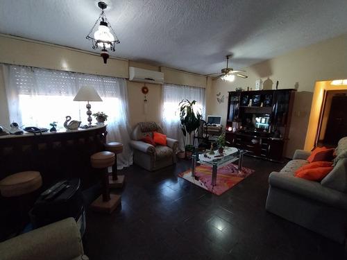 Apartamento Amplio, Confortable Y Funcional.-
