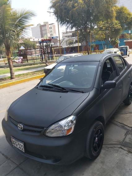 Toyota Yaris En Muy Buen Estado