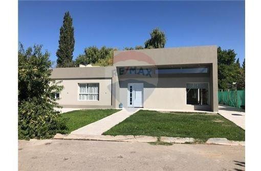 Alquiler,plottier,casa Planta Baja,3 Dormitorios
