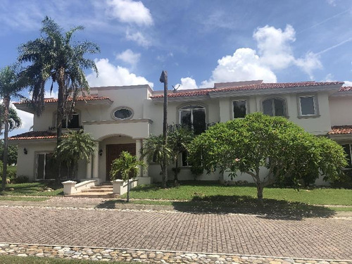 Imagen 1 de 13 de Casa Sola En Renta En Residencial Lagunas De Miralta, Altamira, Tamaulipas