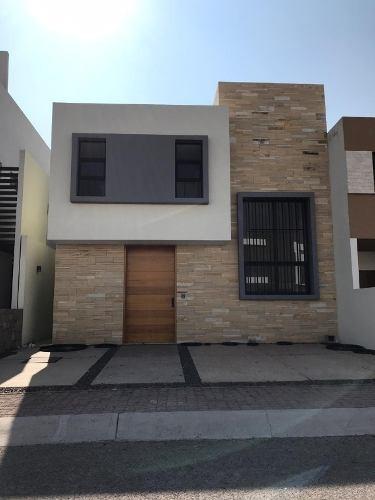 Moderna Casa En Venta En Condesa, Juriquilla