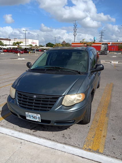Chrysler Town & Country Limited 2005 $35,000 Mxp