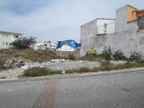 Hermoso Terreno Semiplano En Venta Con Vista Al Campanario Fracc Milenio Iii Qro. Mex.