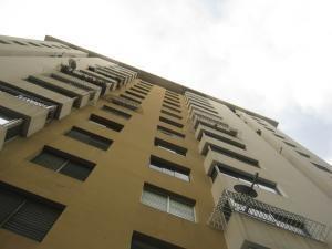 Apartamento En Venta Altos De Camoruco Cod 20-6520 Valgo