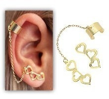 Brinco Ear Cuff Folheado A Ouro C/ Corações E Correntinha
