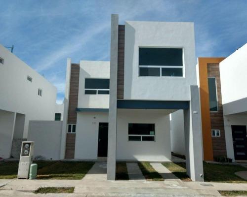 Casa En Renta En Res Privado Ramos Arizpe