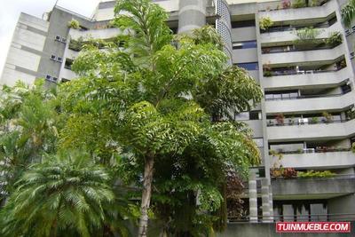 Apartamentos En Venta Los Chorros 18-11950