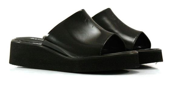 Zuecos Clásicos De Charol Negro