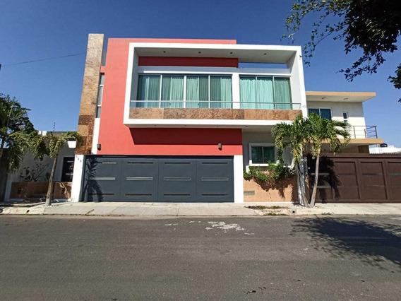Casa En Renta En Zona Norte De Villa De Álvarez, Colima