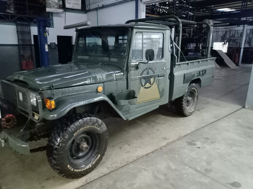 Imagem 1 de 8 de Toyota Bandeirante Militar