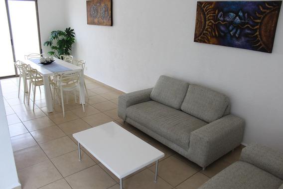 Se Renta Casa Amueblada En Un Condominio Con Alberca En Playa Del Carmen