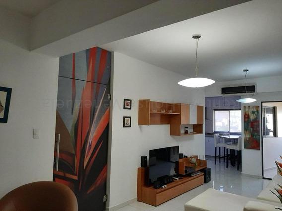 Apartamento En Venta Las Chimeneas, Valencia Cod 20-8123 Ddr