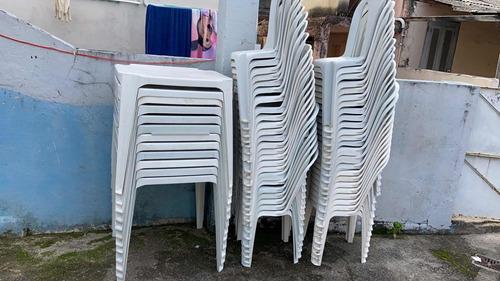 Alugo Mesas E Cadeiras Para Festas, Eventos.