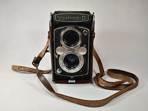 Camera Yashica Model D