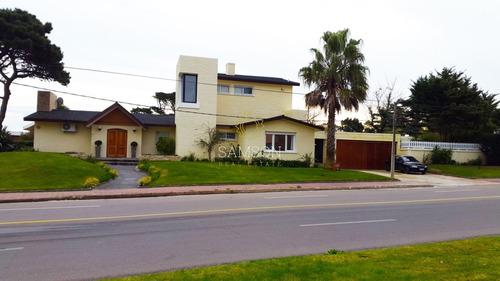 Espectacular Casa En Venta, Punta Del Este.- Ref: 60439