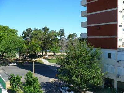 Enero/19, Departamento Grande De Dos Dormitorios Con Placard Y Balcón, Cocina Instalada.