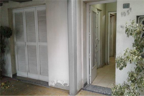 Venta Casa A 60 M. Plaza H. Yrigoyen (la Joroba)