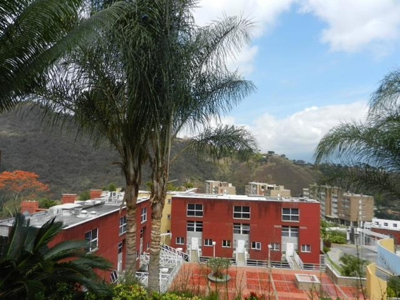 Townhouse En Venta Urb. 13-8421