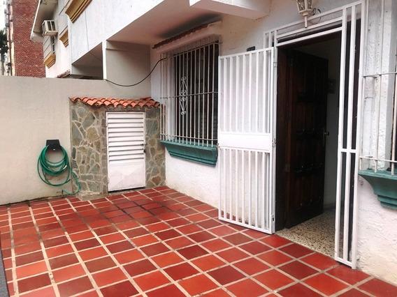 10-03018 Enmetros2 Vende Casa En Urbanización El Trigal