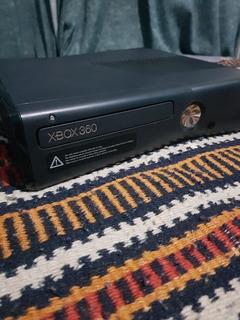 X-box 360 Completa Con Dos Controles Y Juegos