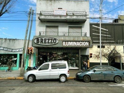Local Con Vivienda En Av Mitre Al 2600, Avellaneda