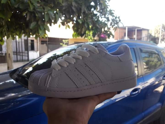 Zapatilla adidas Superstar Nacionales