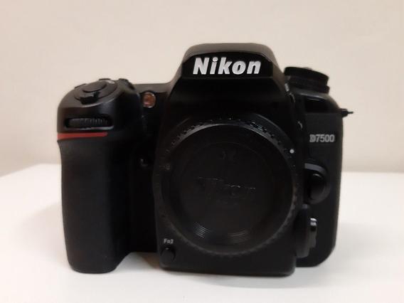 Nikon D7500+lente Tamron Autofoco 18-400mm F/3,5-6,3