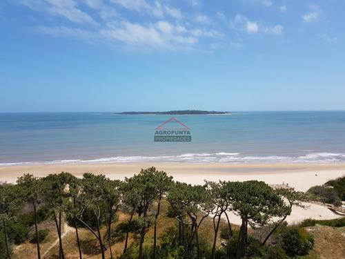 Primera Linea Playa Mansa!- Ref: 4968