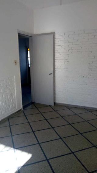 Casa Con Garaje Y Patio